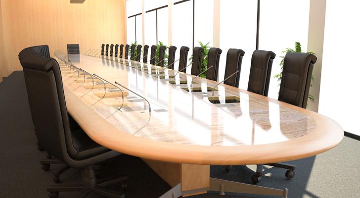 Table sur-mesure pour conseil d'administration Caisse de Retraite